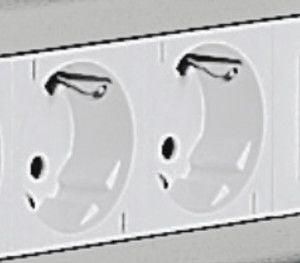 Doppelsteckdose, Löcher 45°