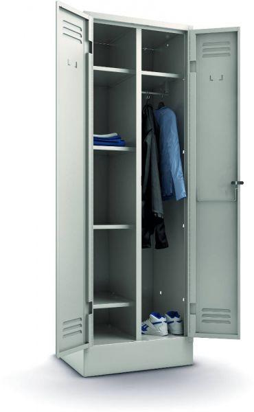 Kleider- und Wäscheschrank
