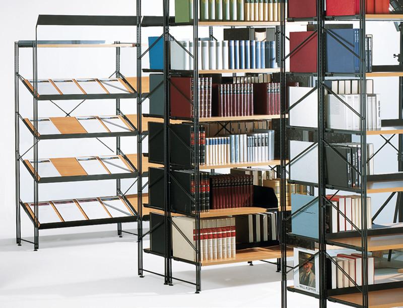 Bibliotheks-Regal Serie Libra mit Schrägböden